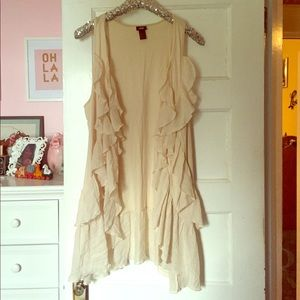Cream/Blush Ruffled Vest